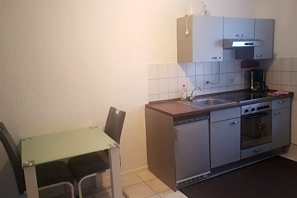 City-Appartements-Villingen-Schwenningen-2-room-Zimmer-Appartement-Kueche-2